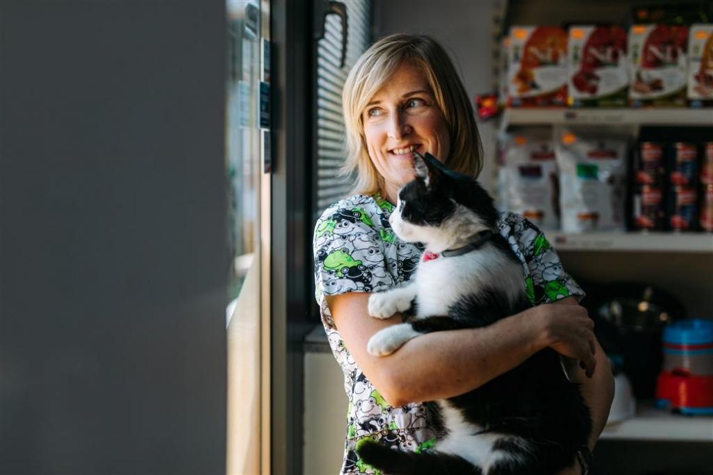 Tačka,veterina, trgovina, ambulanta - ljubeč odnos do živali