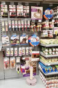 Veterina Tačke Celje - notranjost (mačja hrana, konzerve, priboljški)